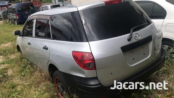 Mazda Familia 1,5L 2013-4