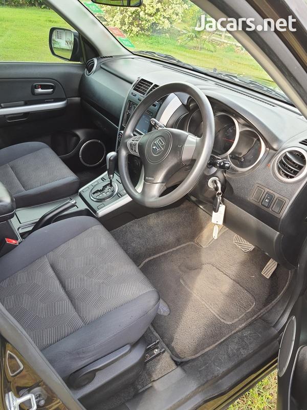 Suzuki Grand Vitara 2,0L 2017-5