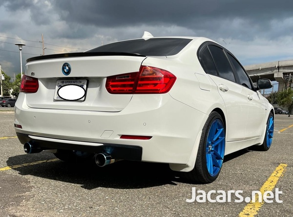 BMW 3-Series 2,0L 2013-9