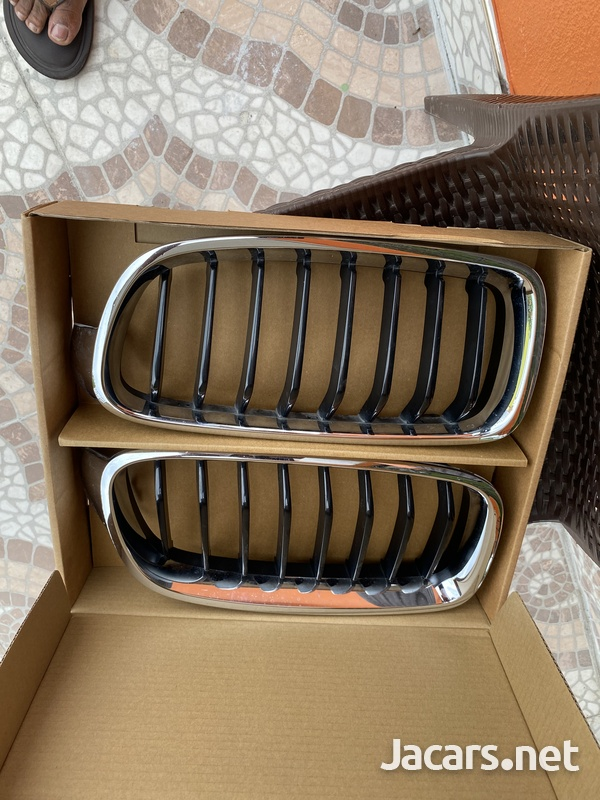 BMW f30 front grill ... like brand new 3 series-4