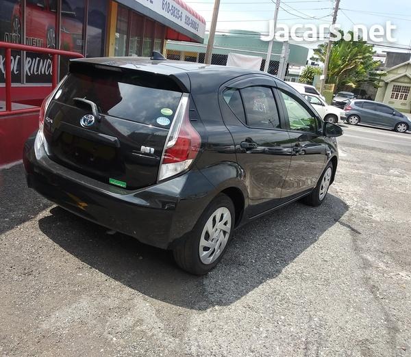 Toyota Aqua 1,5L 2016-12