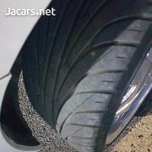 Two Nankang 255 30 20 tyres