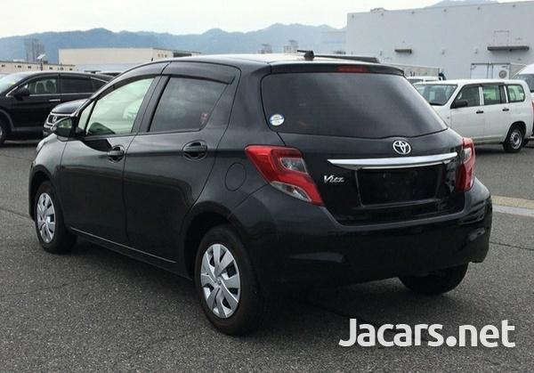 Toyota Vitz 1,0L 2016-4