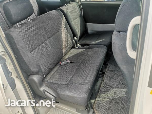 Toyota Voxy 2,0L 2004-4