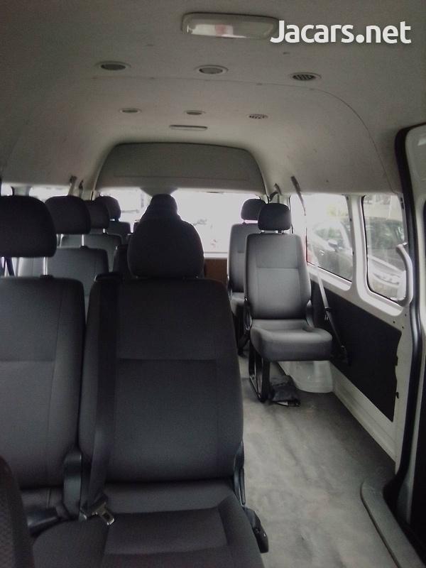 2016 Toyota Hiace Commuter-8