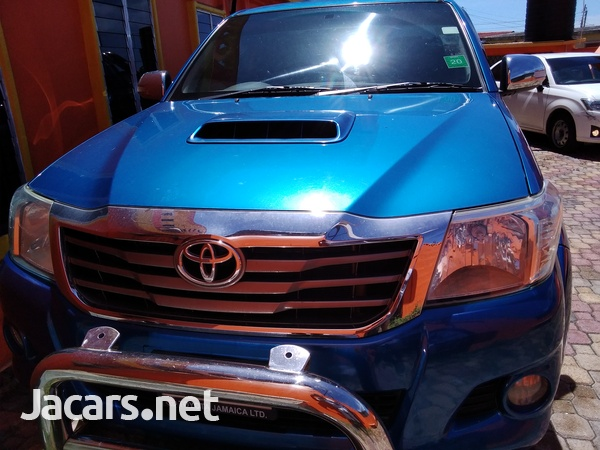 2014 Toyota Hilux SR-3