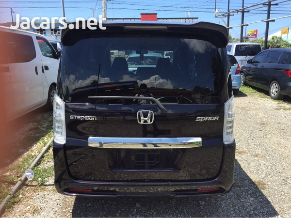 Honda Step wagon 1,8L 2011-3