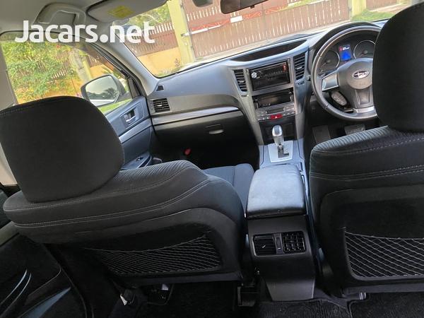 Subaru Legacy 2,5L 2013-8