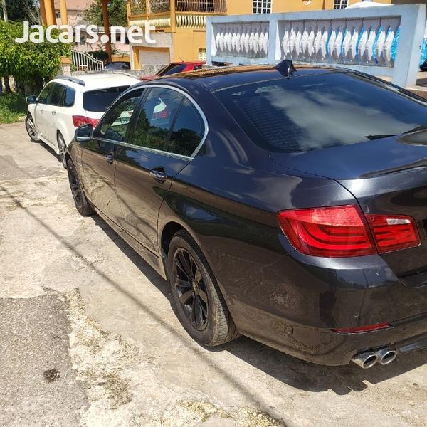 BMW 5-Series 2,5L 2011-5