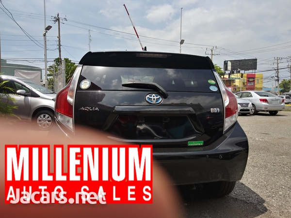 Toyota Aqua 1,5L 2016-10