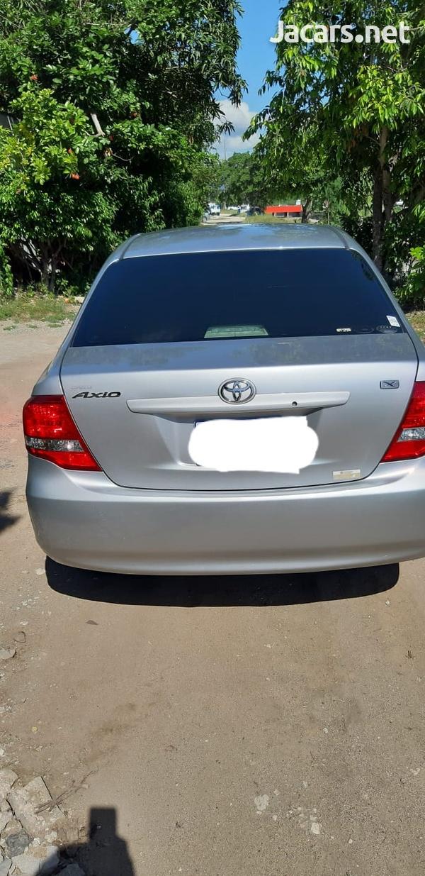 Toyota Axio 1,8L 2011-4