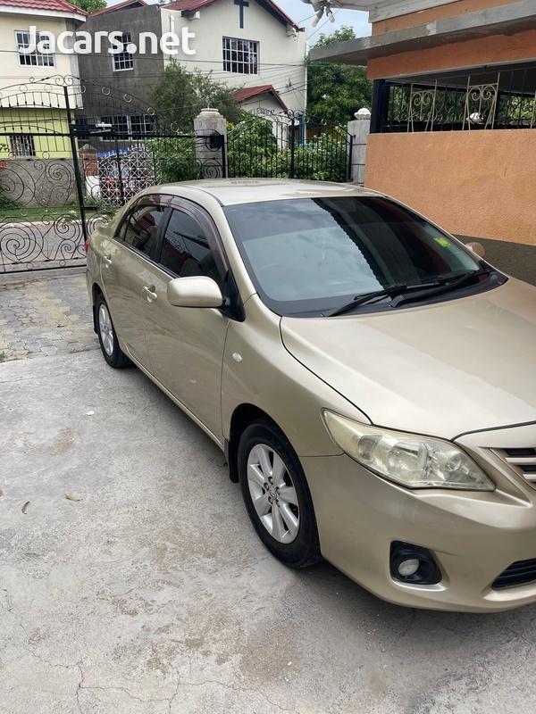 Toyota Corolla XLi 2,1L 2014-3