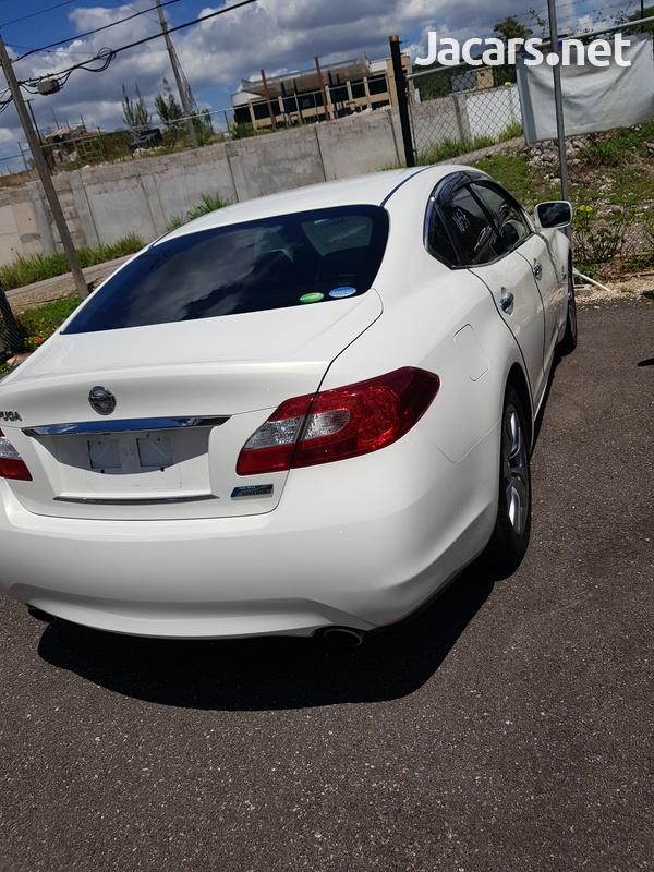 Nissan Fuga 3,5L 2013-11