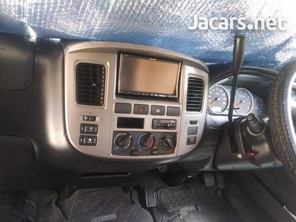 2011 Nissan Caravan-6