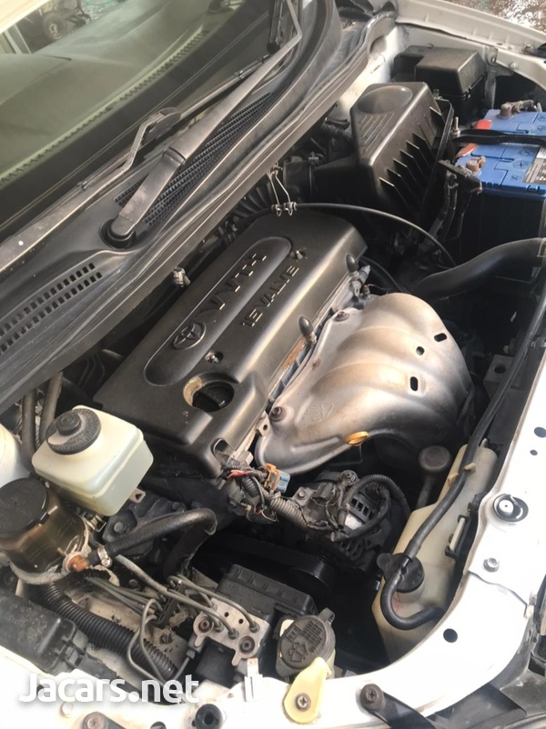 Toyota lpsum 1,6L 2004-7