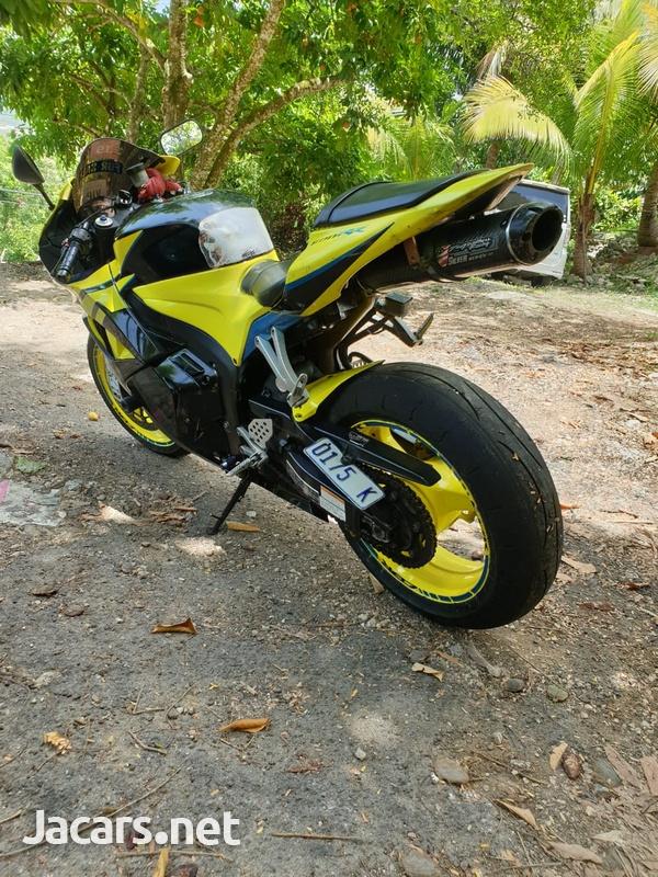2009 Honda cbr 600rr Bike-3