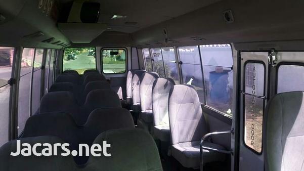 Toyota Coaster Bus 3,0L 2011-8