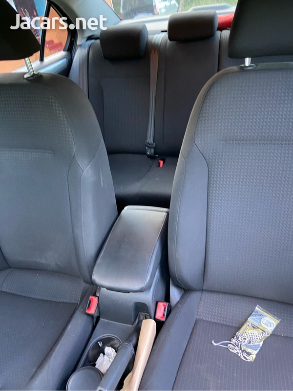 Volkswagen Jetta 1,4L 2016-14