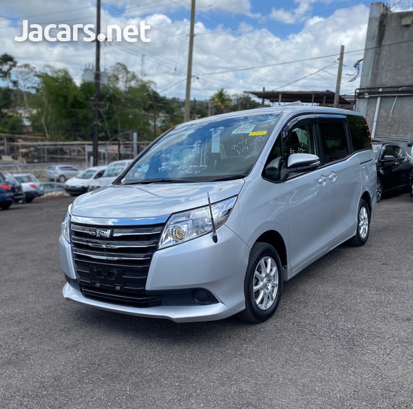 Toyota Noah 2,0L 2016-2