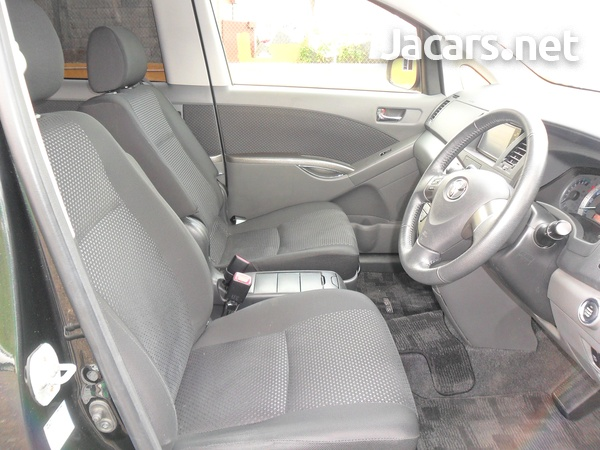 Toyota Isis 1,8L 2010-6