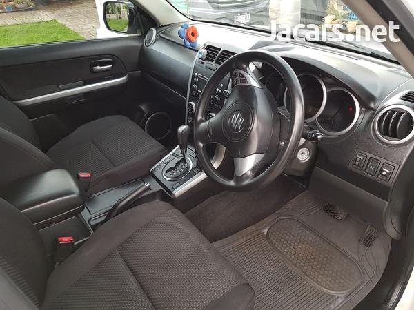Suzuki Grand Vitara 2,0L 2010-7