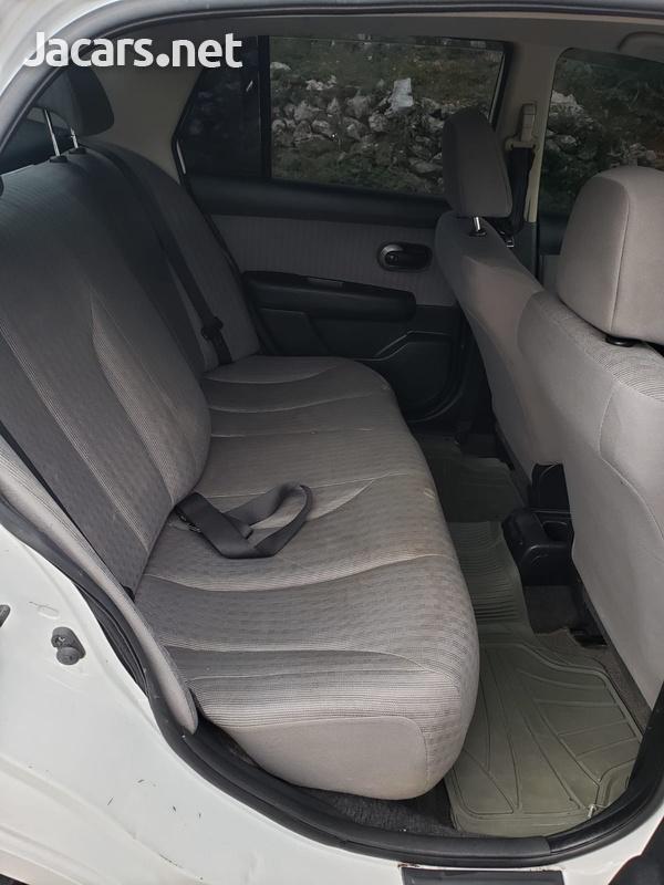 Nissan Tiida 1,8L 2010-8
