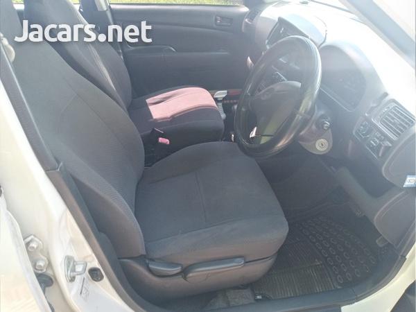 Toyota Probox 1,3L 2013-7