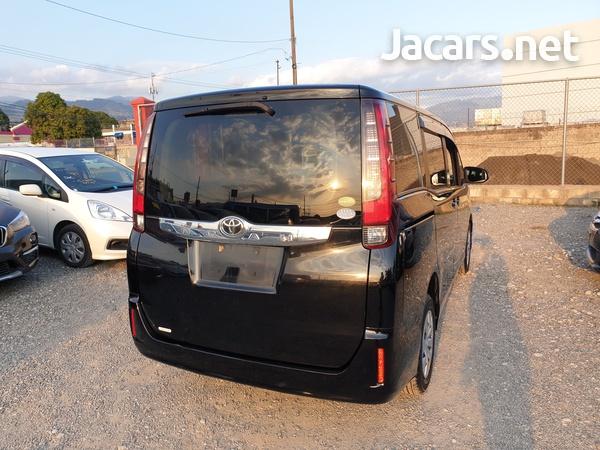 2014 Toyota Noah-3