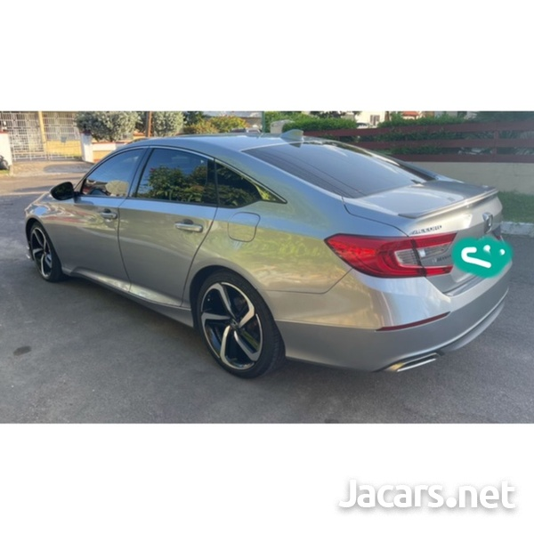 Honda Accord 2,0L 2018-8