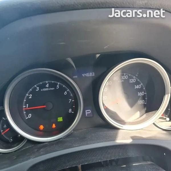 Toyota Mark X 2,4L 2016-6