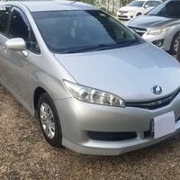 Toyota Wish 2,0L 2012