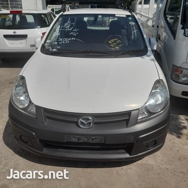Mazda Familia 1,5L 2015-1
