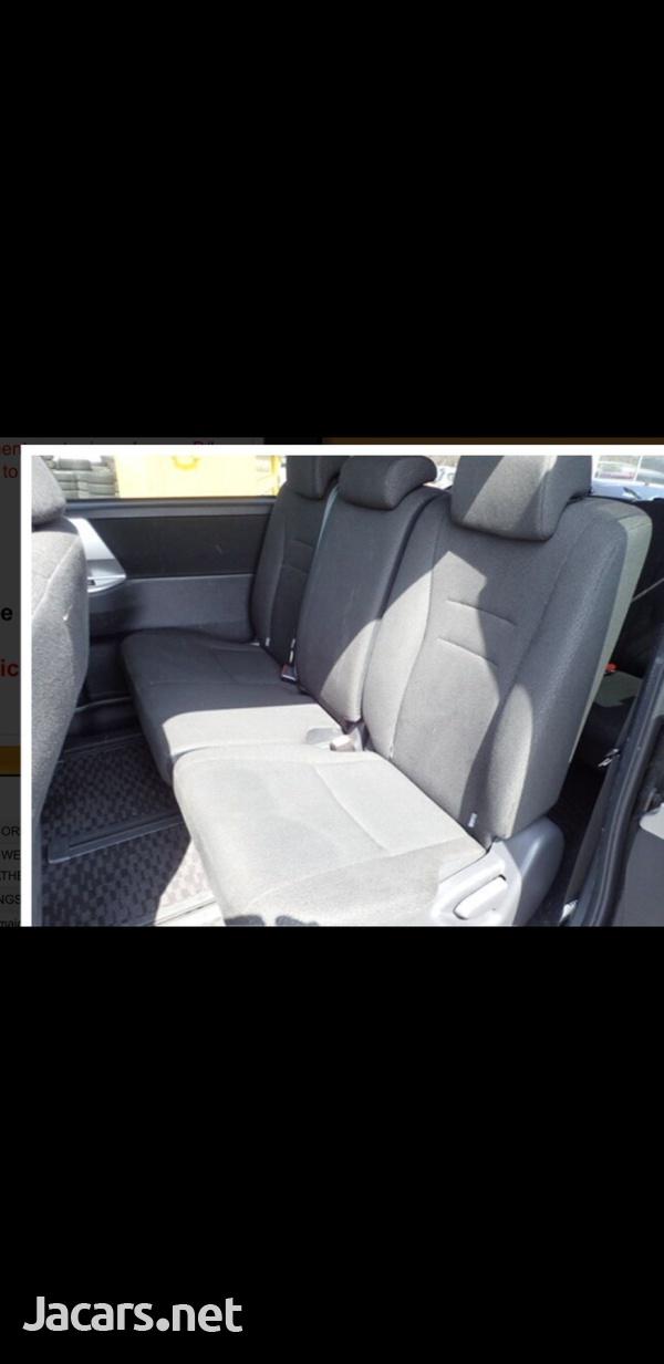 Honda Stepwgn 2,0L 2013-11