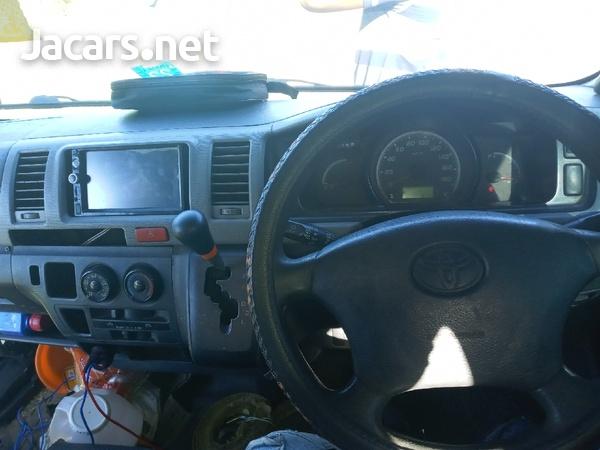 2007 Toyota Hiace Bus-8