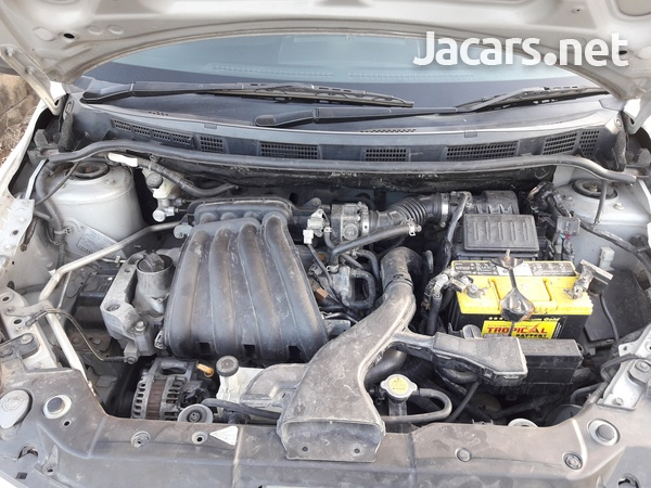 Nissan Tiida 1,5L 2011-6