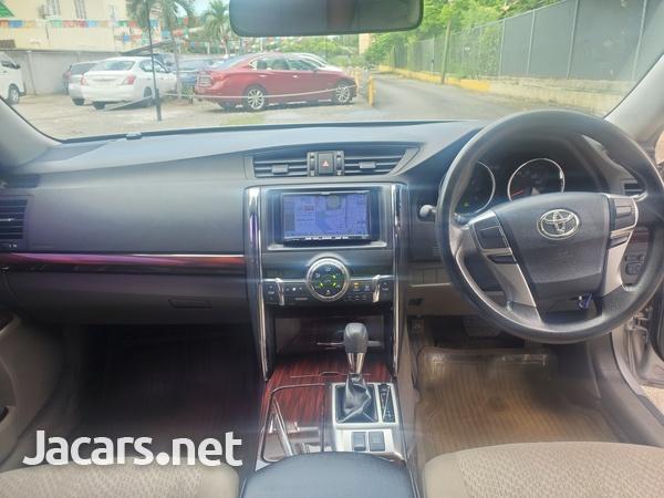 Toyota Mark X 2,4L 2012-10