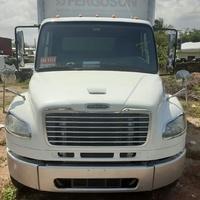 2014 Freightliner 12 tonne box Truck
