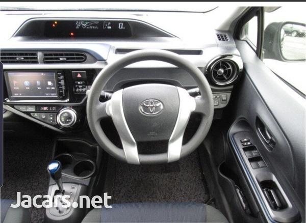 Toyota Aqua 1,5L 2015-2