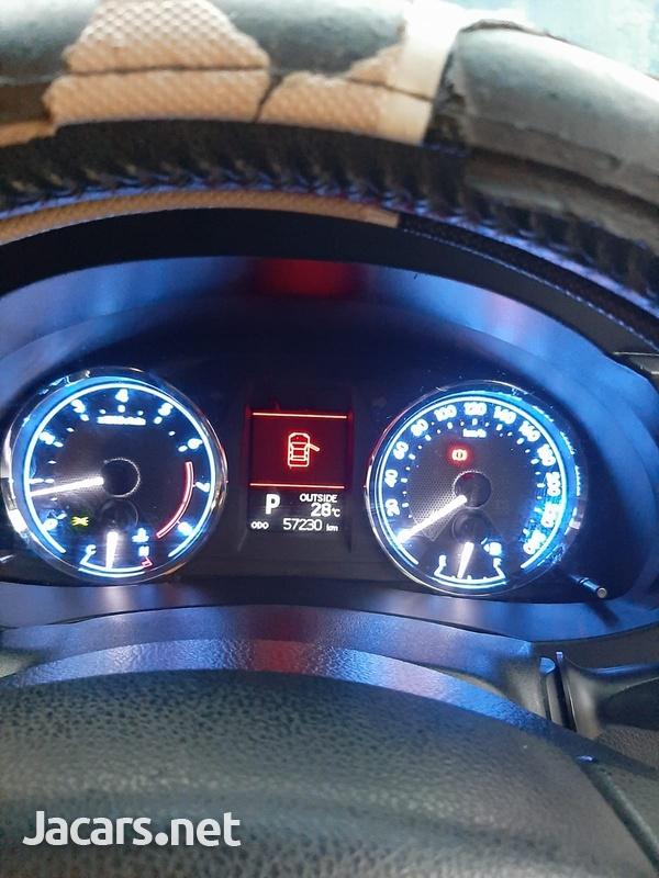 Toyota Corolla Altis 1,6L 2014-9