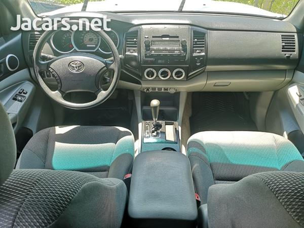 Toyota Tacoma 2,5L 2011-6