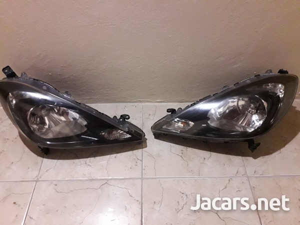 Honda Fit RS HID headlights-1