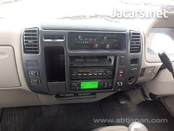 2009 hino Dutro freezer truck-5