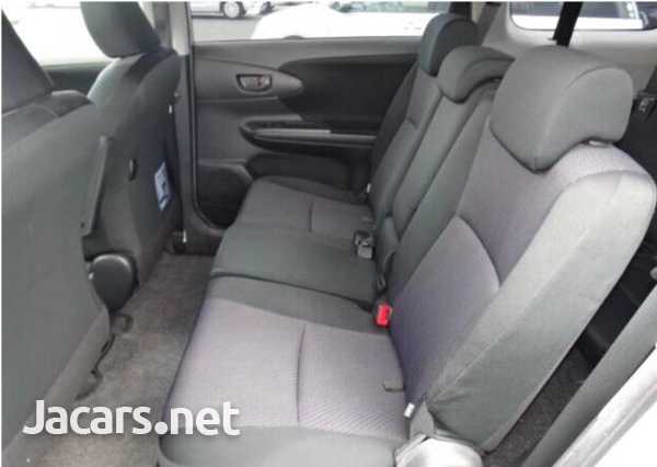 Toyota Wish 1,8L 2016-8