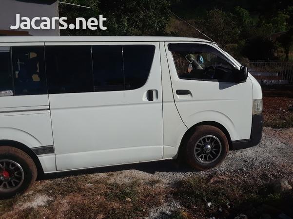 2009 Toyota Hiace Bus-2