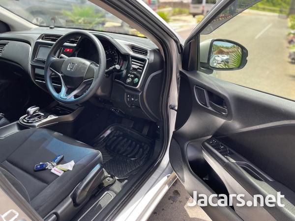 Honda Grace 1,4L 2015-8