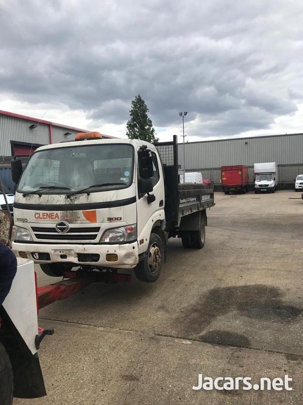 Hino Tipper Truck 2012-3