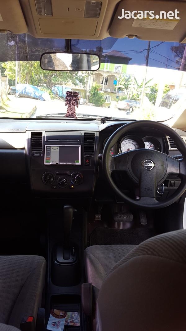 Nissan Tiida 1,5L 2010-5
