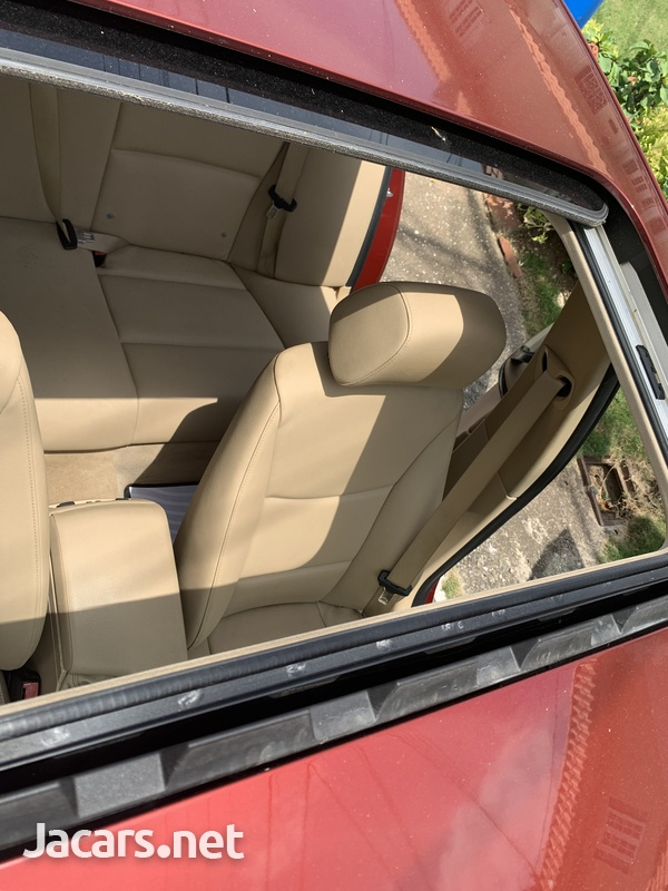 BMW 3-Series 2,0L 2012-8