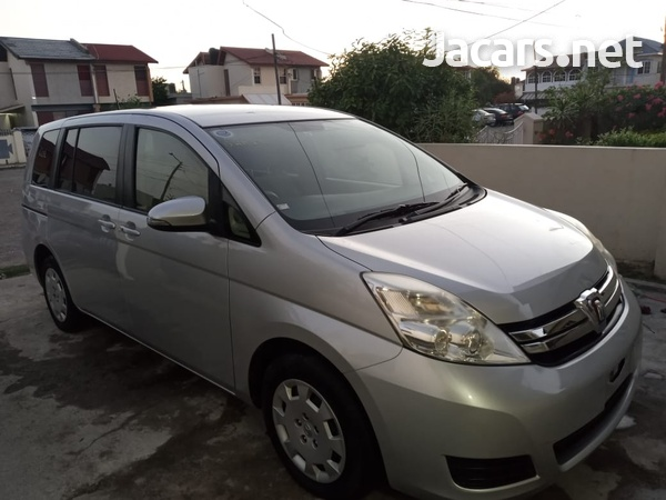 Toyota Isis 1,8L 2013-10