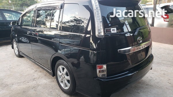 Toyota Isis 1,8L 2012-13